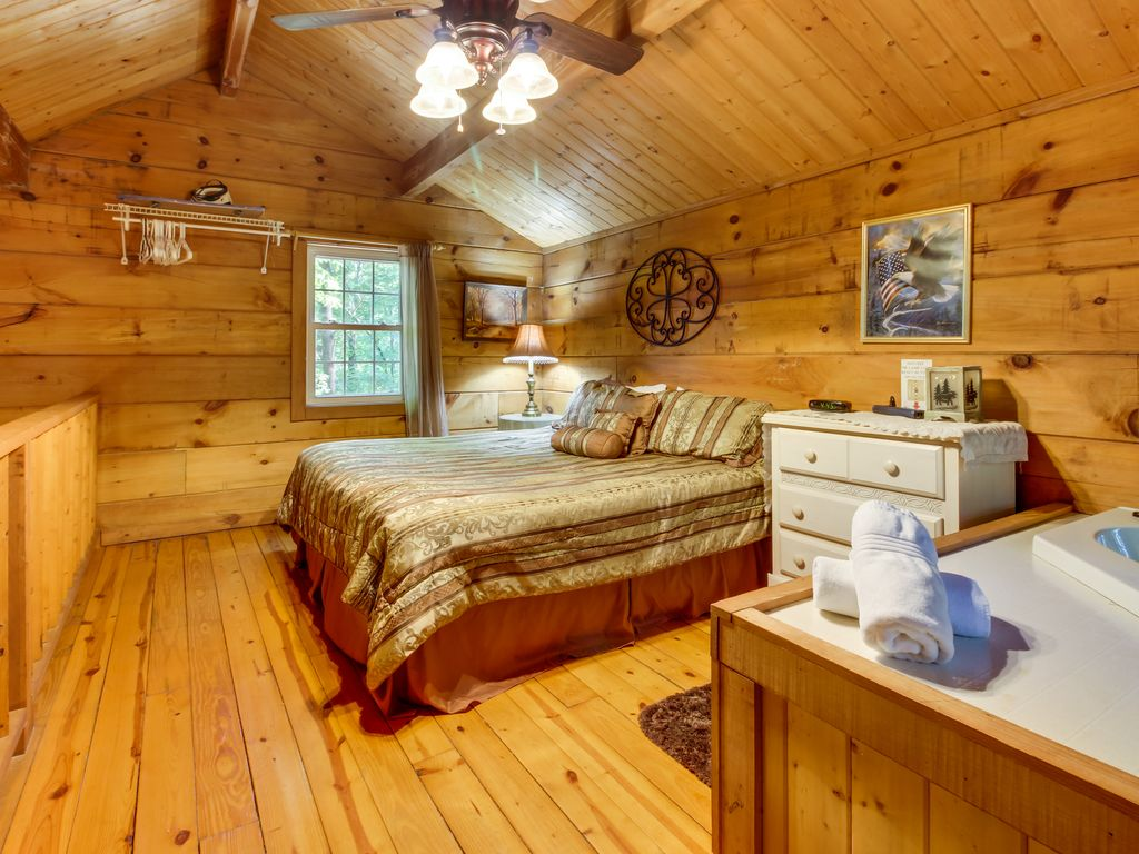 Romantic dog friendly log cabin in the woods with for Log cabin with hot tub one night stay