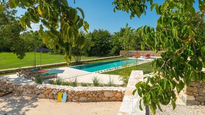 Photo for Spectacular villa with private pool near Motovun