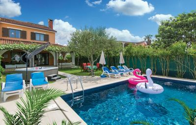 Photo for Holiday house with large terrace and pool