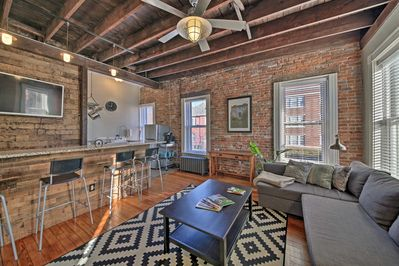 Base your St. Louis adventures out of this bright corner apartment!