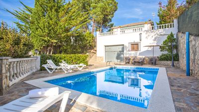 Photo for Villa with private pool for 7 people