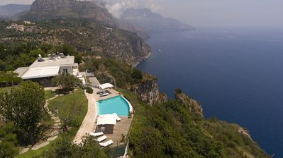 Photo for Stunning 4 bedroom Villa in Sorrento (Q0062)