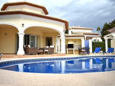 Photo for Beautiful and charming villa with private pool