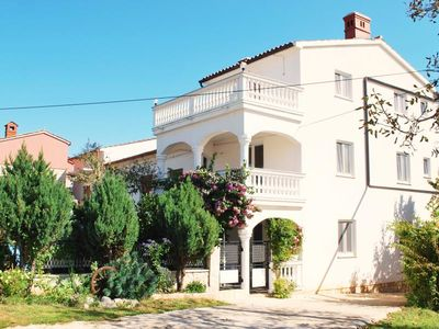 Photo for Holiday house with children's playground, 5 bedrooms, 3 bathrooms, air conditioning, WiFi, terrace, garden and barbecue
