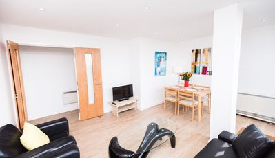 Photo for Two bed flat in Brixton with Panoramic View!
