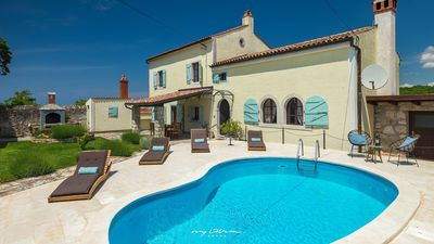 Photo for Lovely old restored villa with pool near Vrsar