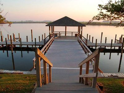 Photo for Quiet, Breezy Resort-Style 2-Bedroom Apartment on Lake Pontchartrain