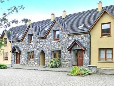 Photo for Terraced Houses Pairc na Gloine, Kenmare  in Kerry - 6 persons, 3 bedrooms