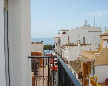 Photo for 3 bedroom Apartment, sleeps 5 with WiFi and Walk to Beach & Shops