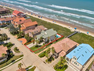 Unique Ocean Front House with Large Private Pool & Hot Tub Overlooking Gulf of Mexico!