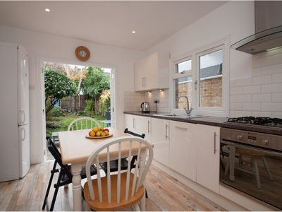 Photo for Traditionally English 3 bed home, located a short walk from the Thames (Veeve)