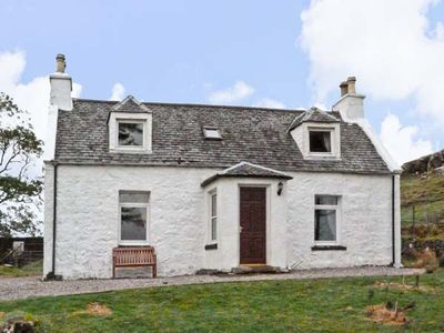 Photo for The Ghillie's Cottage, DUNVEGAN