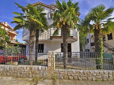 Photo for 1BR Apartment Vacation Rental in Novigrad