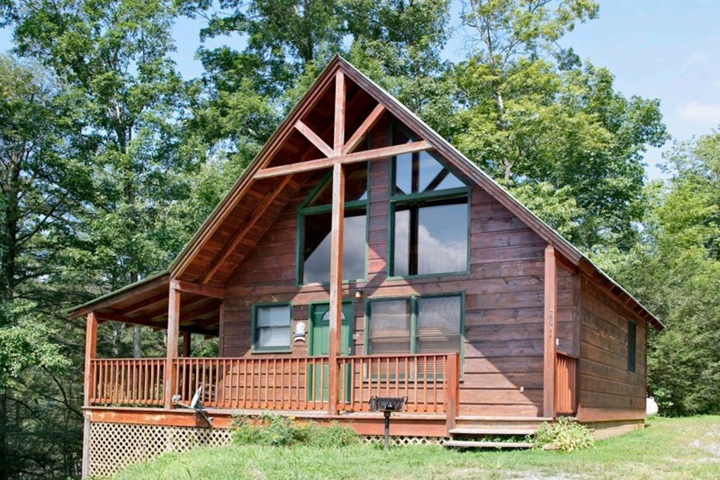Secluded cabin minutes from downtown gatlinburg book your for Gatlinburg cabins for couples