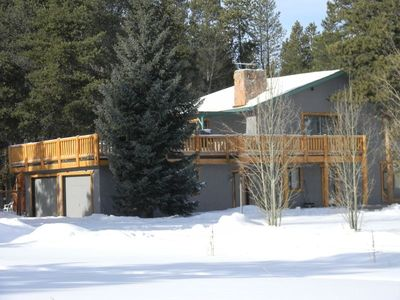 Private home,big deck,garage,dogs ok,fenced yard,on free bus route