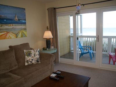 "Photo for Wow! $125/nt May 3-5 ""Happy Place"" Waterfront 2 BR, Pool, 2 Kayaks, Paddleboard"