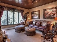 The Charter is in a great location and the condo was beautiful! Great decor and very nice quality!