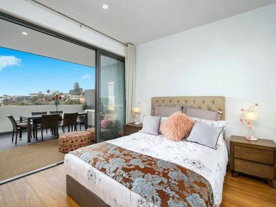 Photo for 2BR Apartment Vacation Rental in Terrigal, NSW