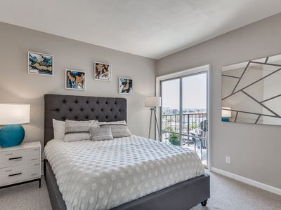 Photo for Contemporary Downtown Condo with Pool and Gym!