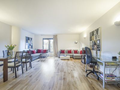 Photo for Amazing 2 Bedroom Apartment in Kensington, London