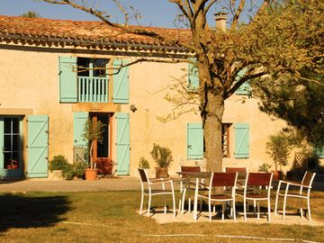 Nr. to Carcassone 3 beautiful Gites with 360deg views & large pool in 7.5 acres - Les Cypres - 3 Beds sleeps 6