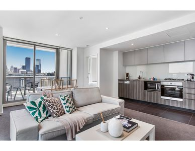 Photo for Cosmopolitan waterfront apartment with views