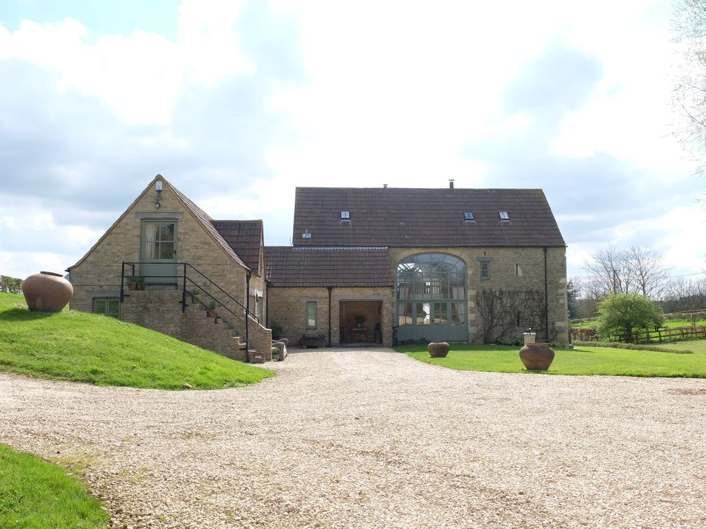 stonehouse barn friendly tubs cottages with cotswolds to stanley rent hot pet in leonard avalon tub the ref rental