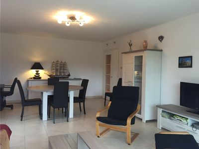 Photo for Nice apt 6 pers with swimming pool, beach with 150m, internet, garage, in recent res