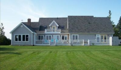 Photo for Fantastic 6 Bedroom, 4000 sq. foot + Oceanview House on PEI s north shore!
