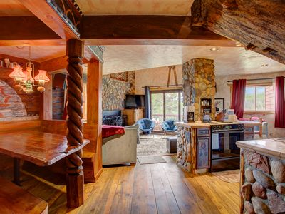 Photo for Inhale the exquisite view, exhale the crisp Summit Air: 4 bed/4 bath -10 ppl