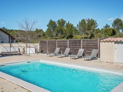 Photo for Quiet villa with pool