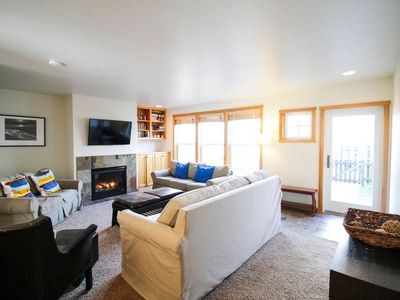 Photo for Two bedroom modern retreat, great beach access, clubhouse on site