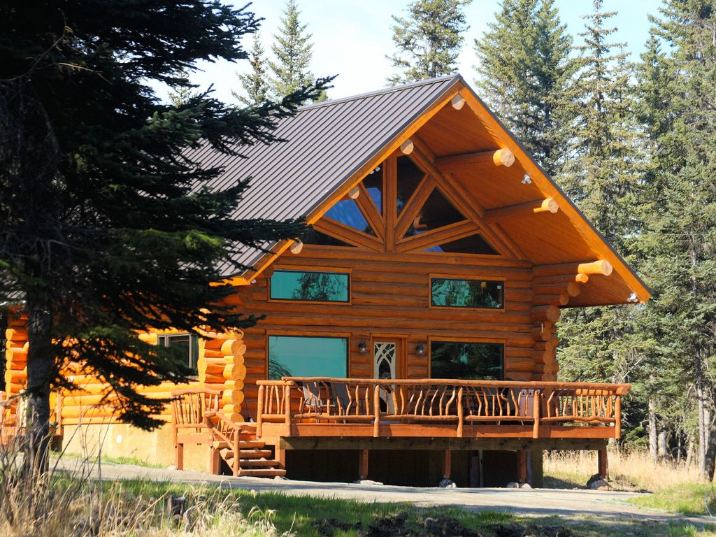 Uniquely alaska real log vacation homes lo homeaway for Vacation log homes