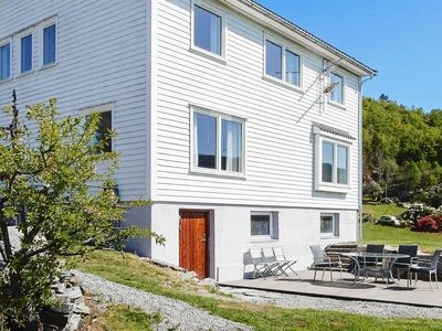 Photo for 7 person holiday home in Skiftun