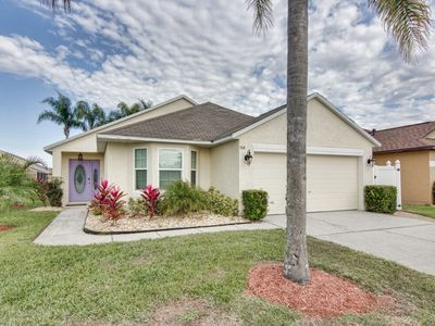 Photo for Beautiful and Cozy Modern Home Near Orlando Attractions