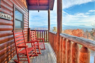 'On The Rocks' is the ideal vacation rental home for your family of 14!