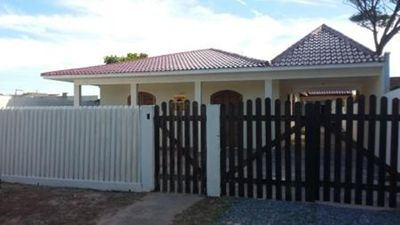 Photo for 5 bedroom house with swimming pool