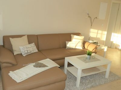 Photo for Comfortable south-flat with sea view - central, quiet, light-flooded