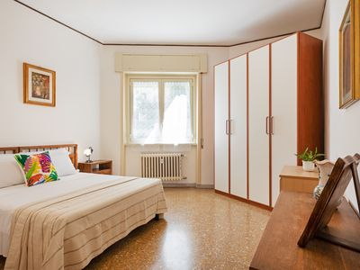 Photo for Nice and well connected 1 bed flat in Testaccio