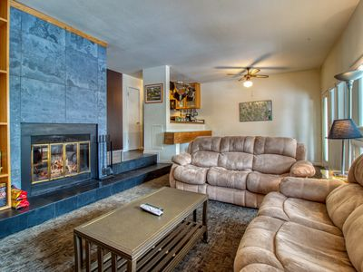 Photo for Cozy condo w/ shared seasonal pool & year-round hot tub - bus to slopes!