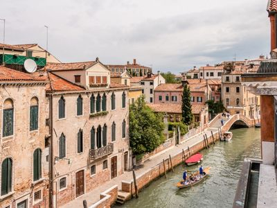 Photo for Carmini Canal View and balcony with Lift