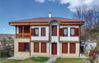 Photo for 5 bedroom accommodation in Priseltsi