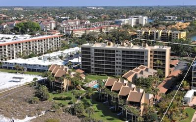 Photo for Buttonwood 427 - 3 Bedroom Condo with Private Beach with lounge chairs & umbrella provided, 2 Poo...