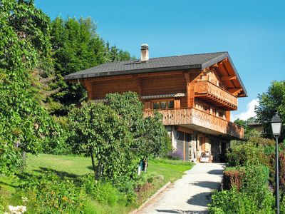 Photo for 5 bedroom Villa, sleeps 10 in Châteauneuf with WiFi