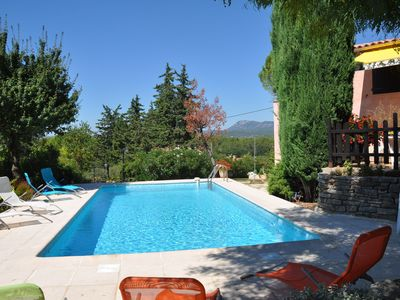 Photo for Provencal villa in a quiet pool. Complete facilities, 4 bedrooms.