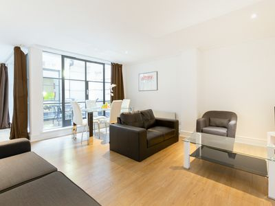 Photo for SUPER CENTRAL - HOLBORN - CHANCERY LANE - LOVELY 1BR FLAT WITH PRIVATE PATIO!