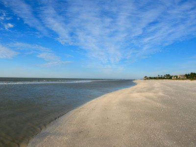 World class, Gulf Front, Endless Sandy Beach right out front of condo complex