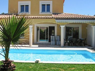 Photo for Villa with secure pool by the sea in a dead calm