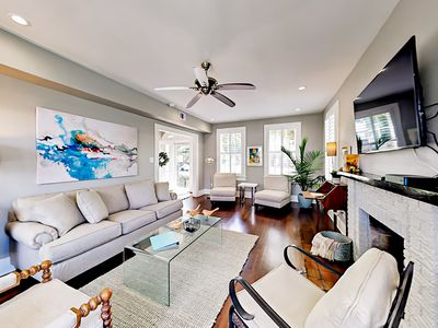 Remodeled Retreat w/ Sunroom & Gourmet Kitchen - 4 Blocks to the Beach