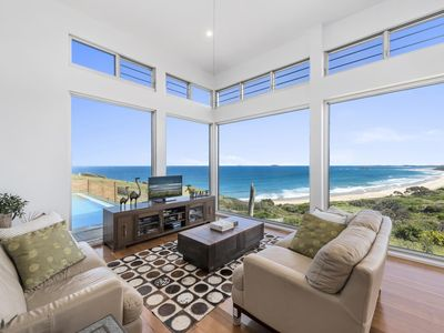Photo for Majestic ocean views, with a pool, 4 bedrooms
